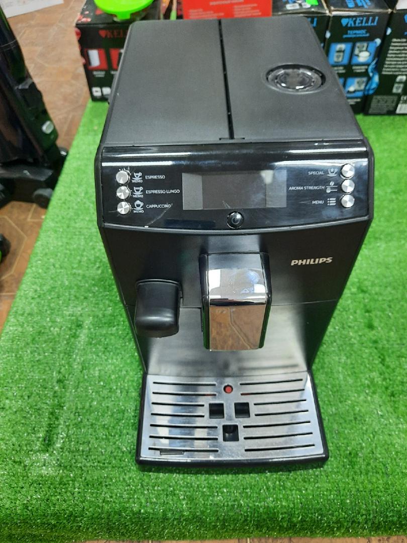 Автоматическая кофемашина Philips HD 8828